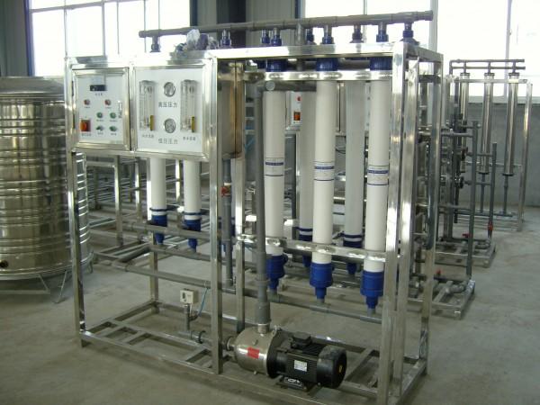 250桶每小时矿泉水设备
